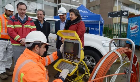Empresa sanitaria monitorea red de alcantarillado en Viña del Mar