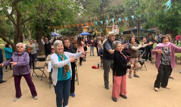 Municipalidad de Viña del Mar celebró a personas mayores con jornada recreativa-artística