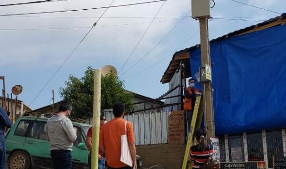 Finalizó instalación de alumbrado público en campamento Reñaca Alto