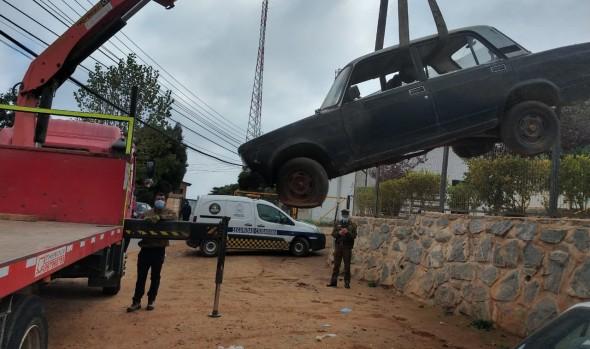 Positivo programa de retiro de vehículos abandonados realiza municipio de Viña del Mar